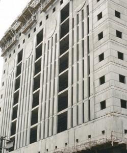 Portland Building under construction(University of Oregon Libraries photo)