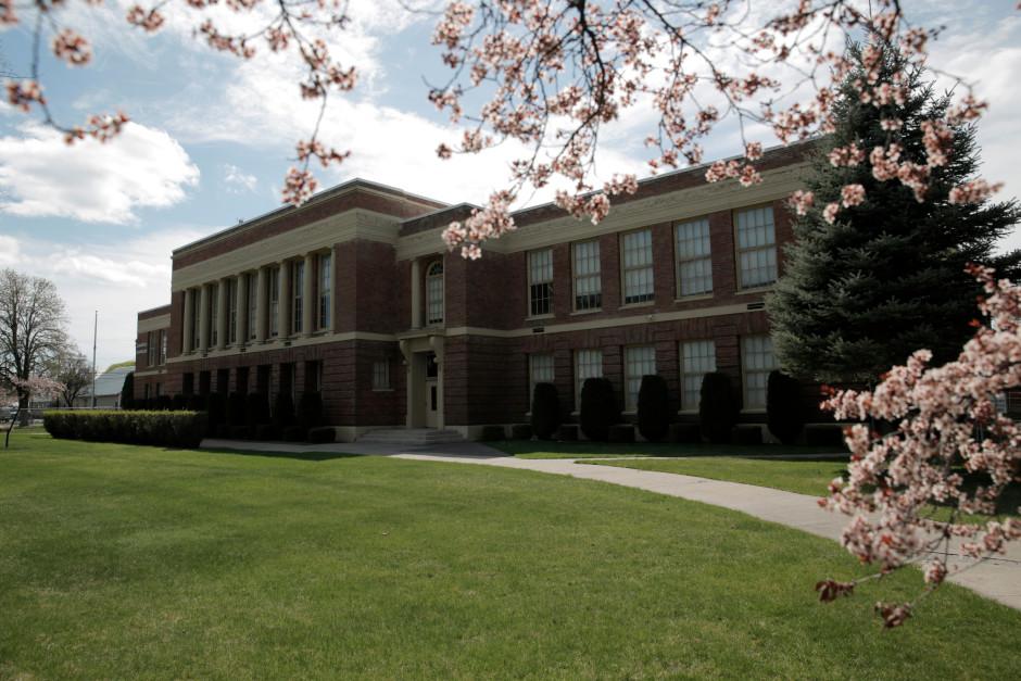 Bigfoot visits Evergreen Elementary School | Leave No Trace  |Evergreen School