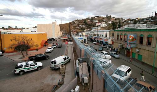 mexican-american_border_at_nogales-copy
