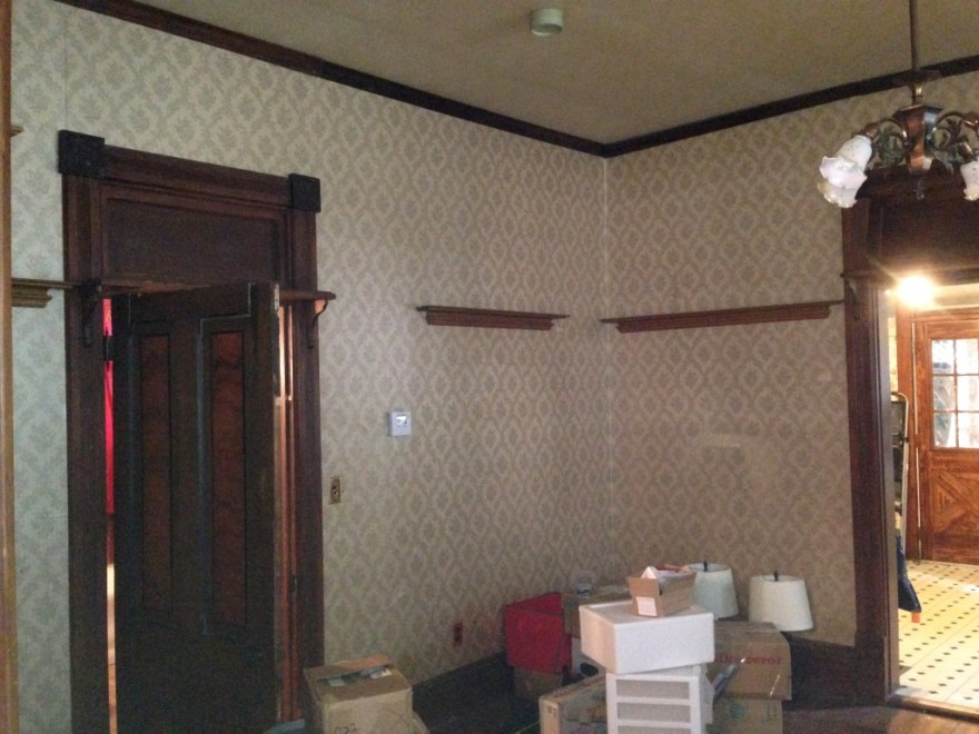 The dining room. Plaster ceiling.