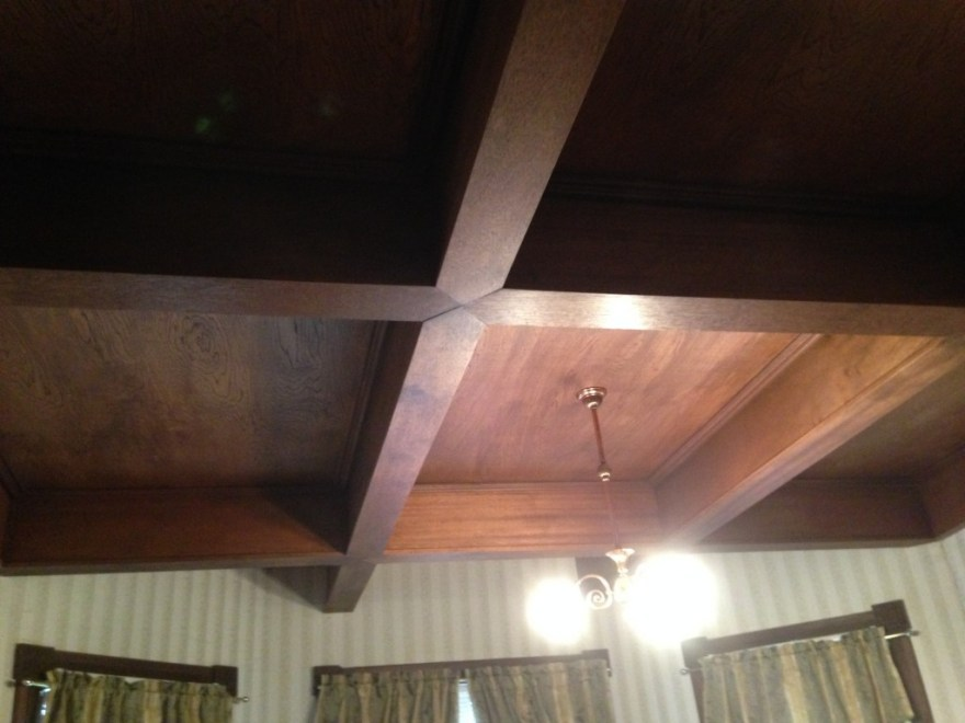 The bedroom ceiling is, inexplicably, of a recent date and plywood.