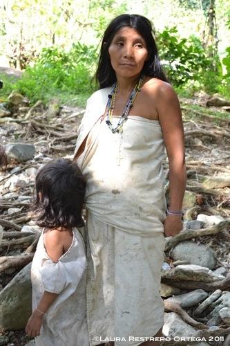 madre y niña kogui