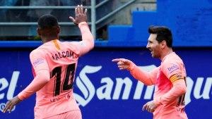 Sepasang Gol Lionel Messi Tutup Laga Barcelona Musim Ini