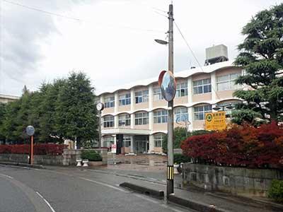 富山県立高岡西高等学校