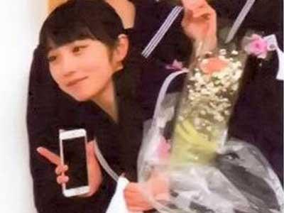 与田祐希 中学卒業式