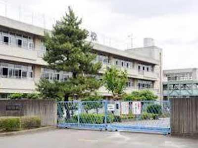 伊野尾慧 入間市立豊岡小学校