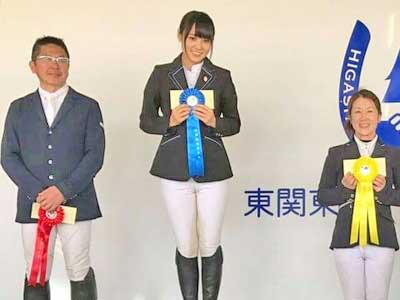 菅井友香 乗馬大会