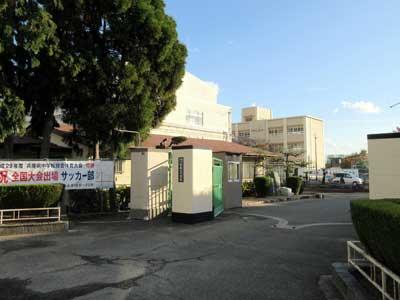 宇垣美里 歌敷山中学校