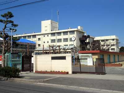 摂津市立第三中学校