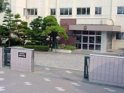 佐藤仁美 名古屋市立東陵中学校