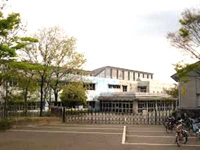 稲城市立長峰小学校