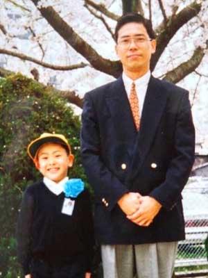 山下健二郎 小学生時代 入学式