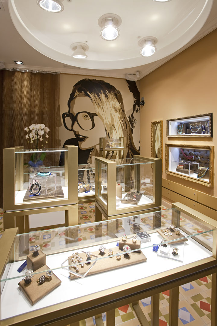 OhmyGOd jewelry store by MarketingJazz Madrid