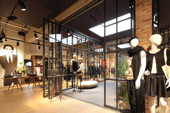 Esprit lighthouse store by Reich and Wamser Cologne