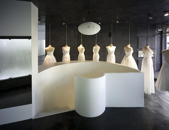 Hila Gaon wedding gown store by k1p3 architects Tel Aviv