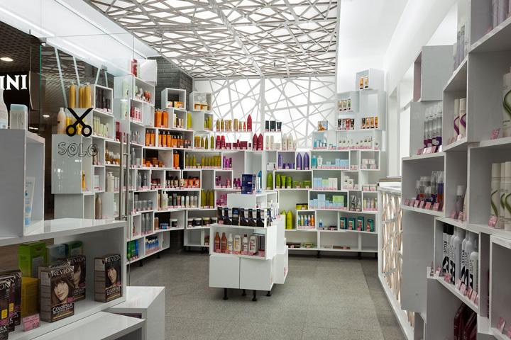Solo cosmetics showroom by Studio Belenko