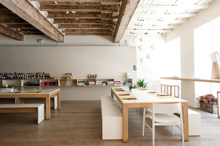 LaCucina restaurant by Archiplan Studio Mantova  Italy