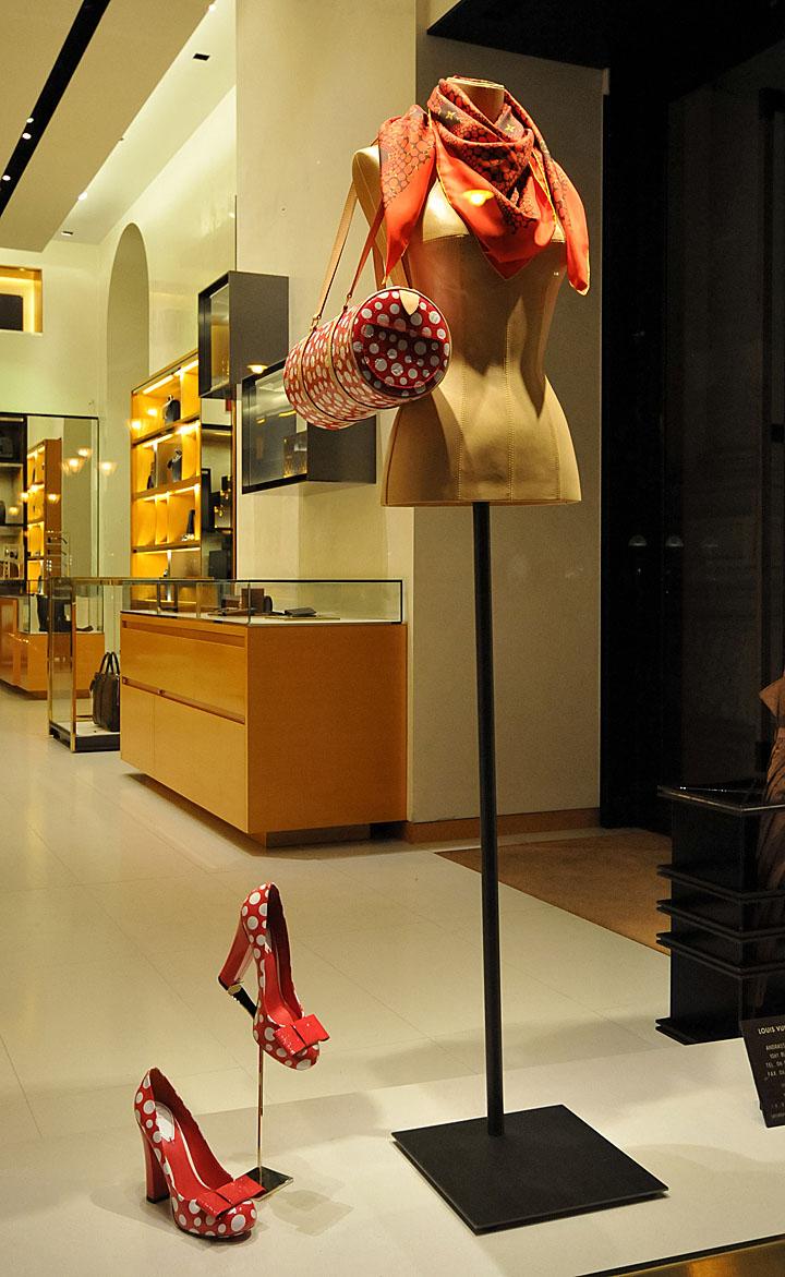 Louis Vuitton window displays Autumn 2012 Budapest  Retail Design Blog