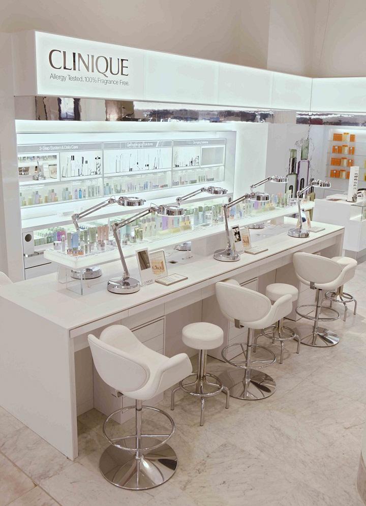 BEAUTY STORES Clinique shop at Selfridges London