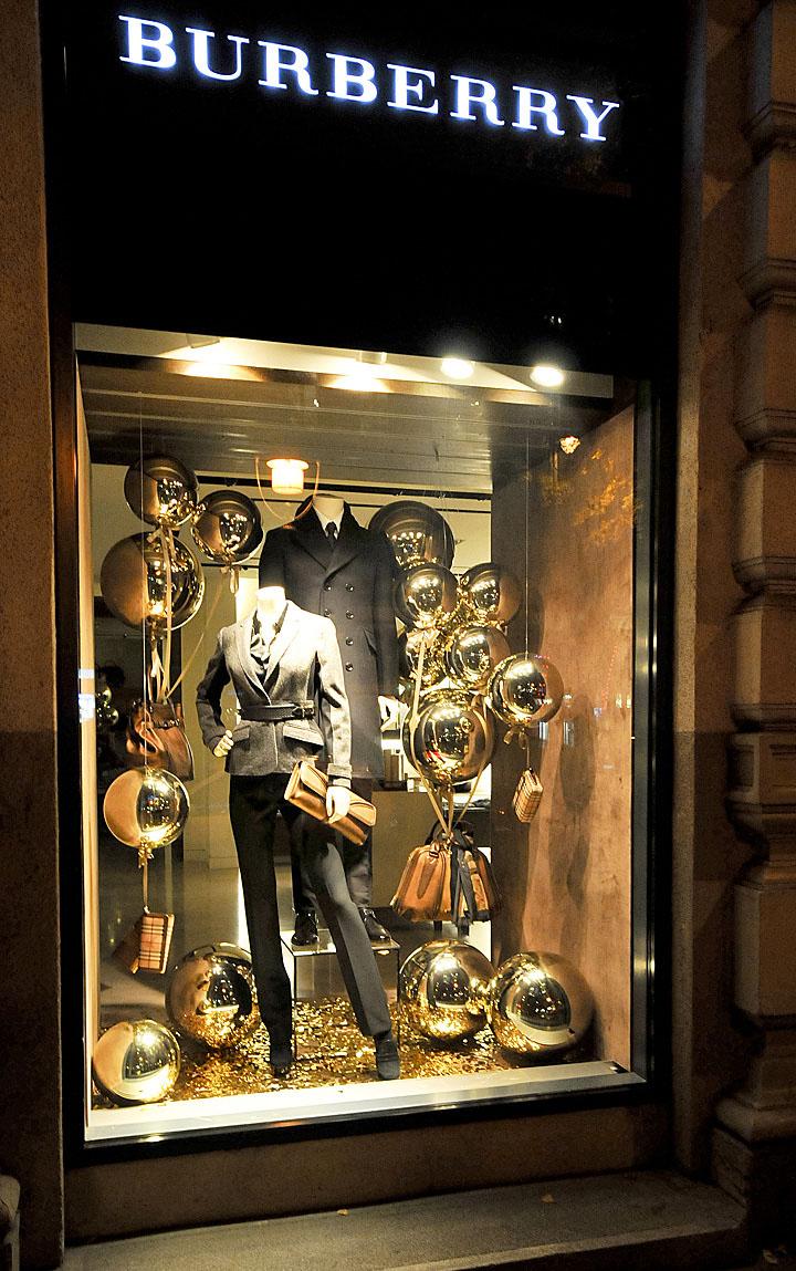 Burberry Christmas windows 2012 Budapest