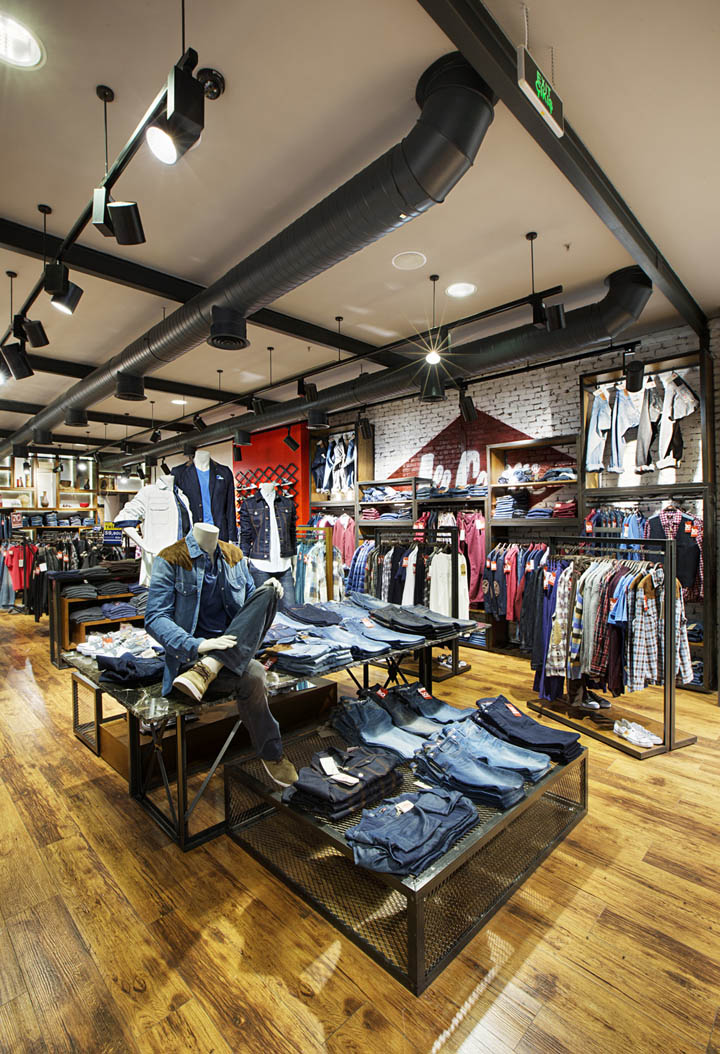 Lee Cooper store by CBTE Architecture Turkey