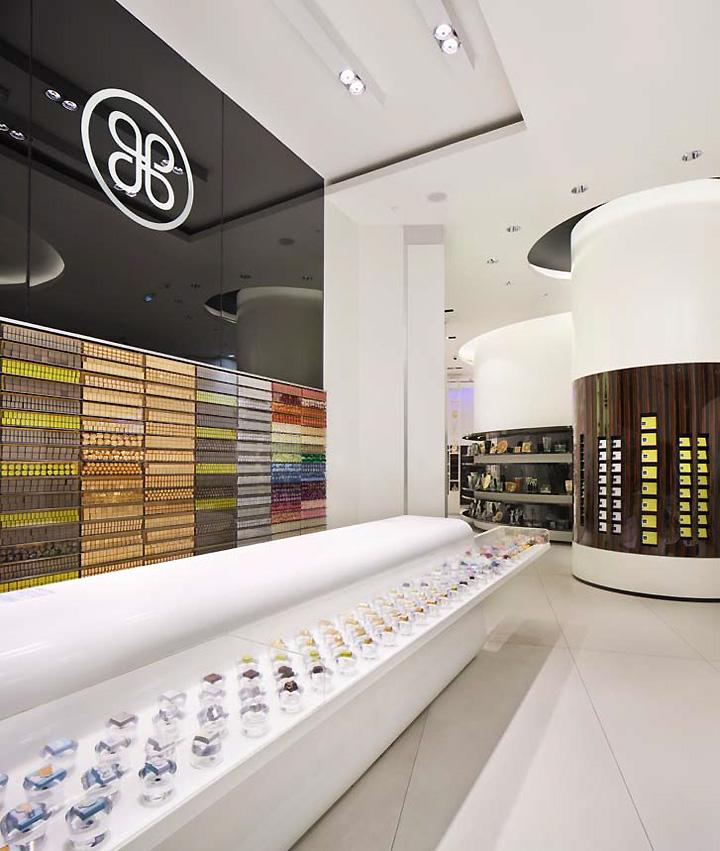 Patchi store by Lautrefabrique Architectes Dubai