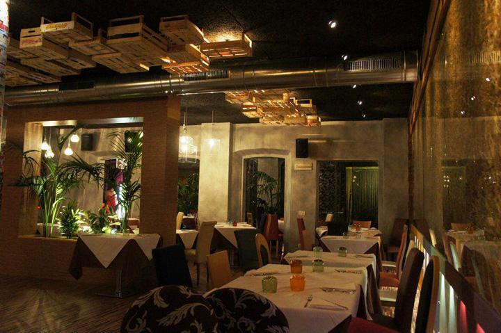PEPPERONI restaurant by Andrea Langhi Reggio Emilia  Italy