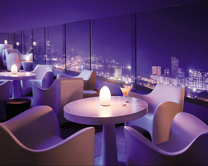 ROOFTOP BARS Aer bar and lounge at Four Seasons Hotel