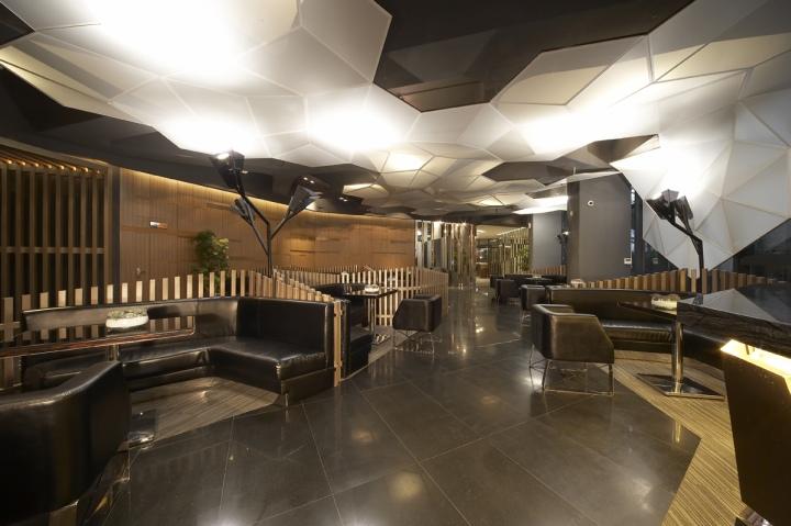 Vanke Kingmetropolis Sales Office by Studio ARRT
