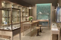 August jewelry, Los Angeles  California  Retail ...