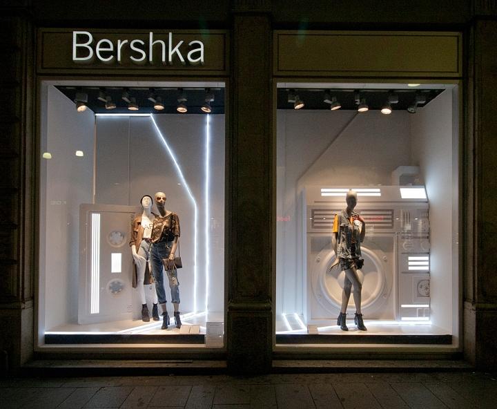 Bershka Fashion Week windows 2014 Milan  Italy