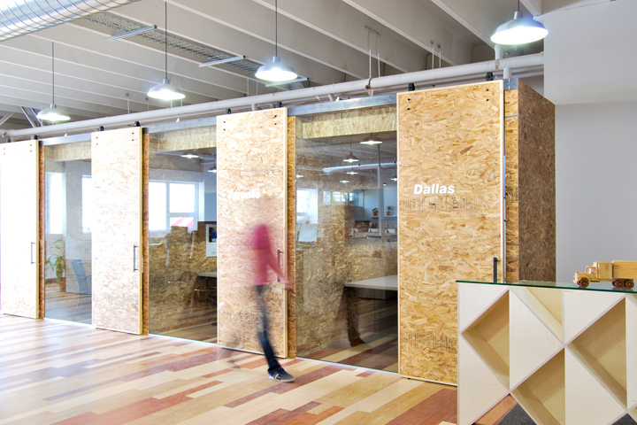 , AT Office by Est Architecture, Montreal – Canada, Office Furniture Dubai   Office Furniture Company   Office Furniture Abu Dhabi   Office Workstations   Office Partitions   SAGTCO