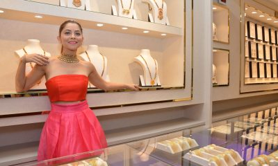 Sonalee kulkarni Adorning jewellery from PNG Jewellers at mg road store