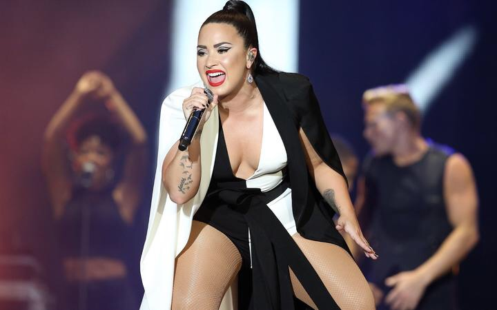 Demi Lovato Posts An Unedited Swimsuit Pic Demonstrating Her 'Genuine and Crude Side', Calls It 'Cellulit'!
