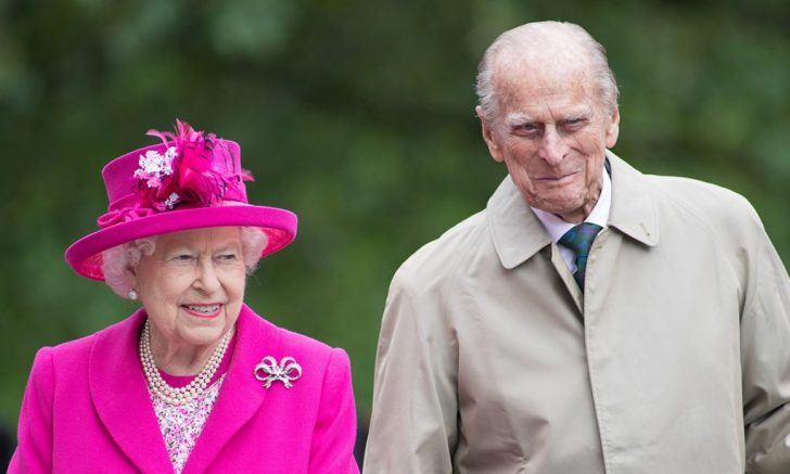 the-queen-and-prince-philip-smiling-t-e1571980517187