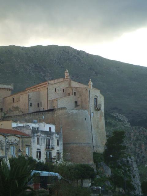 Blog Carini  Il Castello di Carini e la sua storia leggendaria