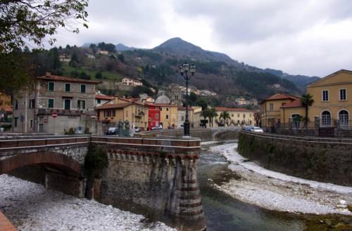 Seravezza - Panorama di Seravezza...la citta tra due fiumi...