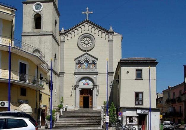 Pietramelara – Chierichetti abusati, il prete sul banco dei testimoni:fra confusione e contraddizioni