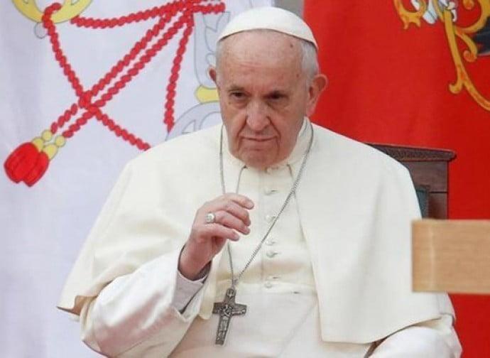 Papa Francesco nella bufera per avere offeso le vittime della pedofilia