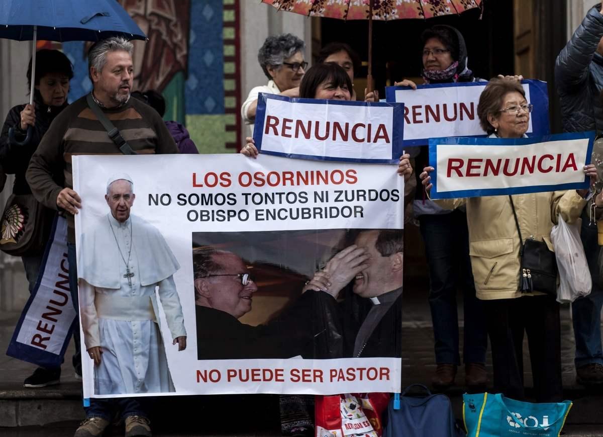 PAPA IN CILE; L'avvocato della Rete L'ABUSO Carlos Lombardi deposita formale protesta al Consolato