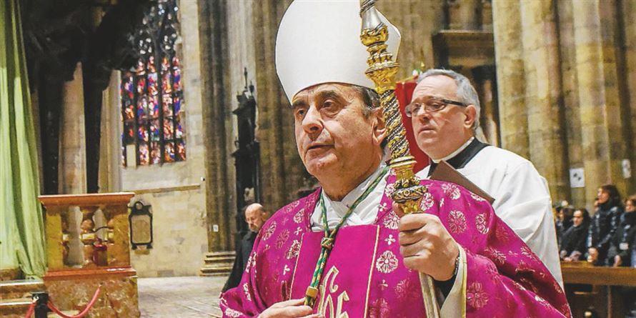 """IMBARAZZO IN DUOMO A MILANO. Il prete accusato di abusi su minore: """"Non l'ho violentato, ci ho dormito"""""""