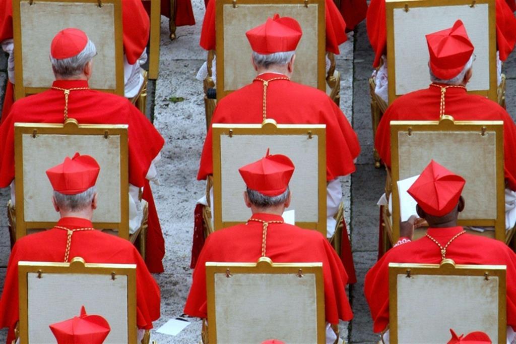 Pedofilia, 20 cardinali olandesi su 39 sono coinvolti nella copertura delle violenze
