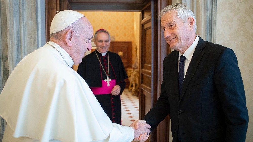 Consiglio d'Europa chiede al Papa di aderire alla convenzione di Lanzarote per combattere gli abusi sui minori