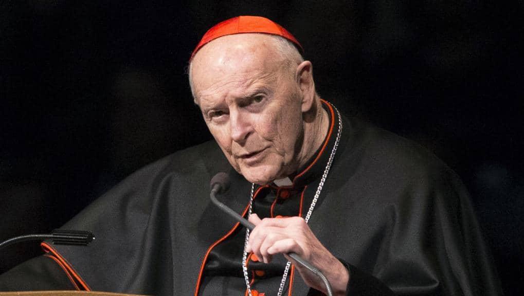 Pedofilia, arcivescovo di Washington McCarrick ridotto allo stato laicale dal Papa: «Abusò di seminaristi»