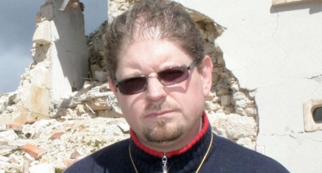 Don Giovanni, vittima di un pedofilo, attaccato e minacciato per aver detto di essere stato abusato da bambino