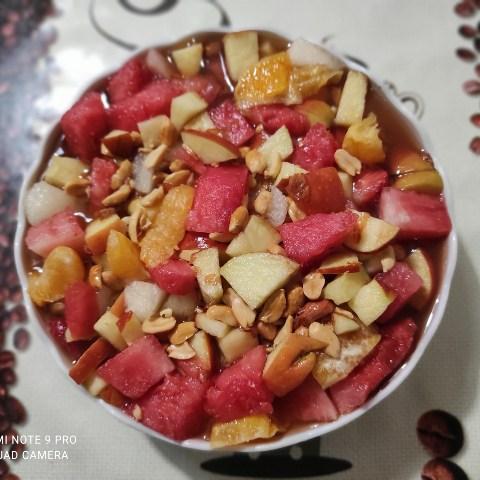 o -salata- de- fructe -super- gustoasa -apetisanta.jpg