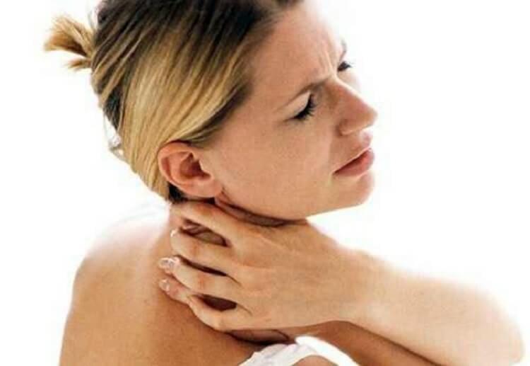 O rețetă care vă va ajuta să eliminați chiar și cele mai vechi depozite de săruri din zona gâtului.