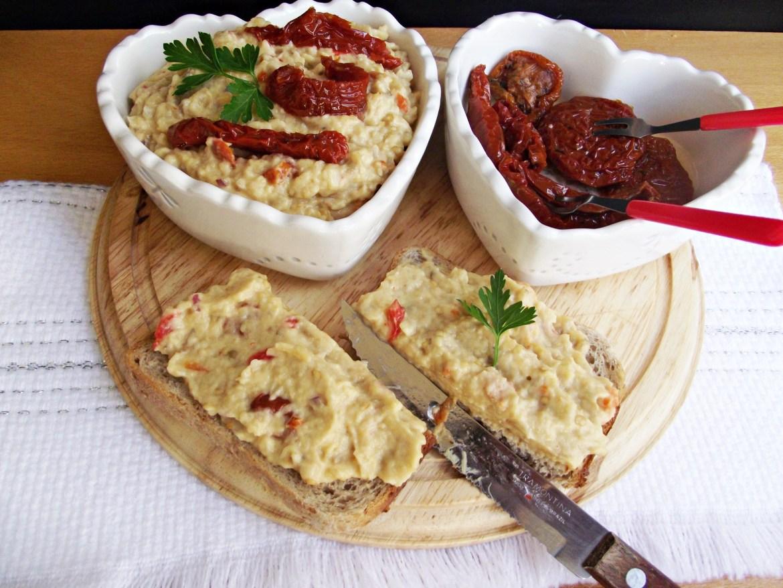Salata-vinete-cu-rosii-deshidratate-2