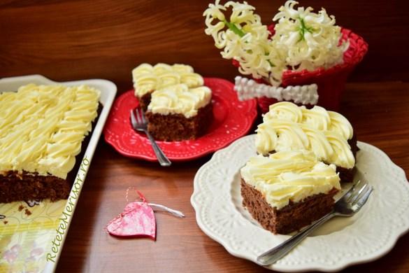 Prăjitura Mărțișor cu duo ciocolată și jeleu de caise