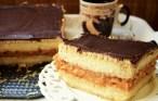 Tort de biscuiți cu mere și cremă de vanilie